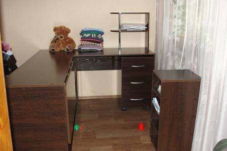 Стол для шитья и кройки и шитья 148